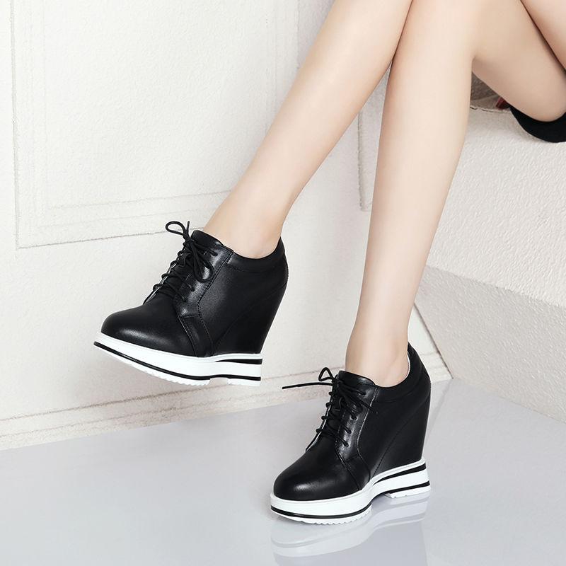 รองเท้าคัชชูส้นเตารีด 2020รุ่นฤดูใบไม้ผลิและฤดูร้อนเพิ่มขึ้น12cmรองเท้าผู้หญิงระบายอากาศสบายๆกลวงรองเท้าเดียวหญิงหนังลิ่