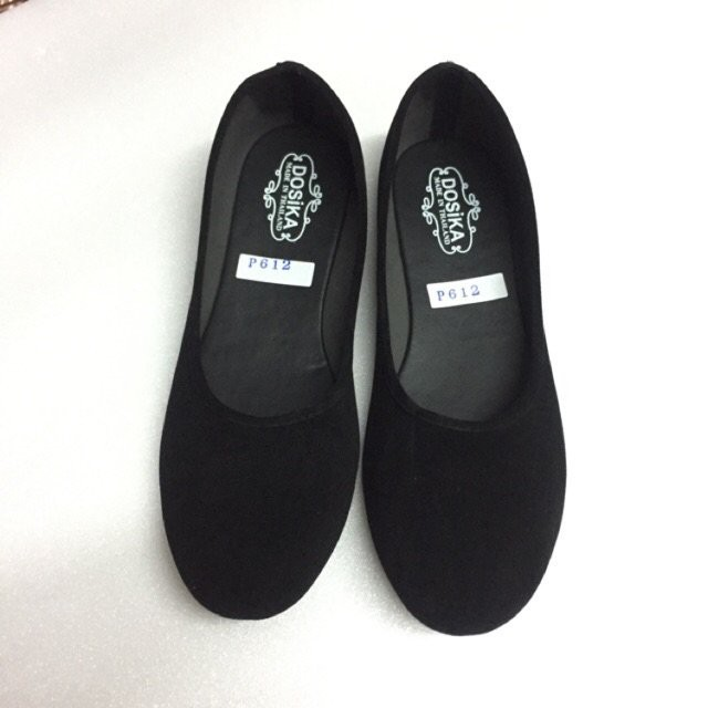 ilu36-44 รองเท้าคัชชูส้นเตี้ย กำมะหยี่สีดำ ใส่เรียนใส่ทำงาน พื้นเรียบ ดำขน รองเท้านักศึกษา 3o6q