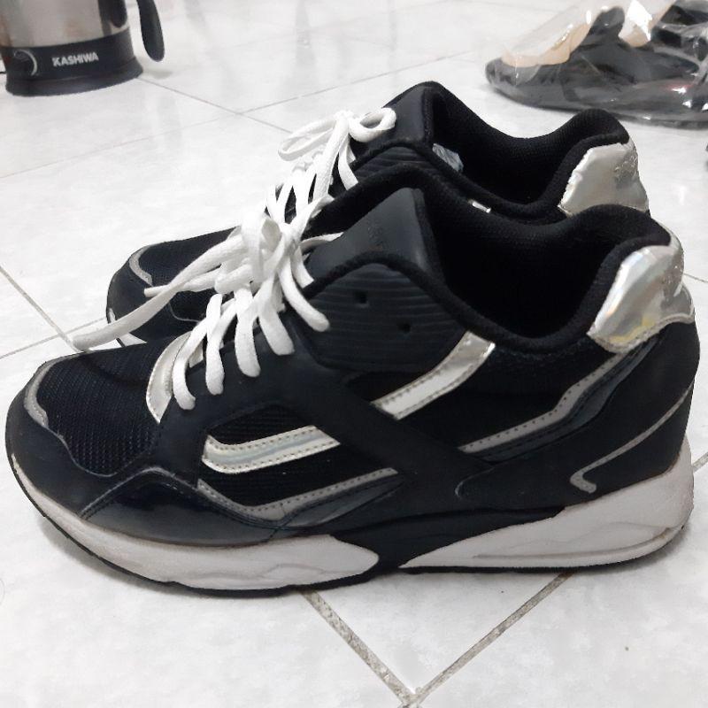 รองเท้า prospecs มือสองของแท้ ไซส์ 39