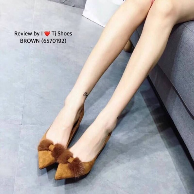 รองเท้าคัชชู หัวแหลม ส้นสูง แฟชั่นเกาหลี