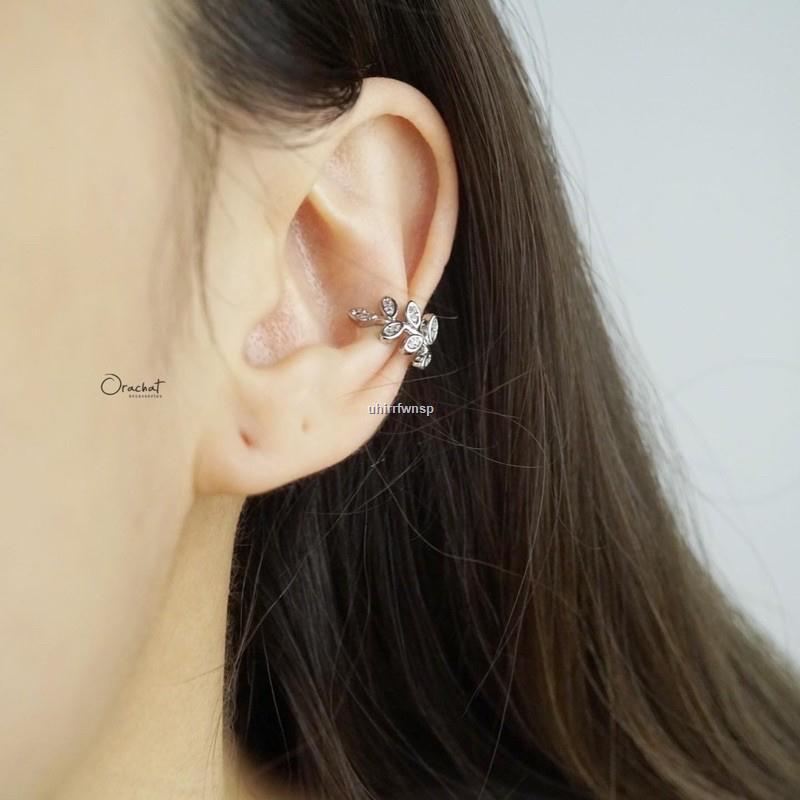ราคาขายส่ง✁✖♧Olive ear cuff earrings. (ต่างหูทรงเกาะหูงานชุบทองคำขาว เพชร CZ)