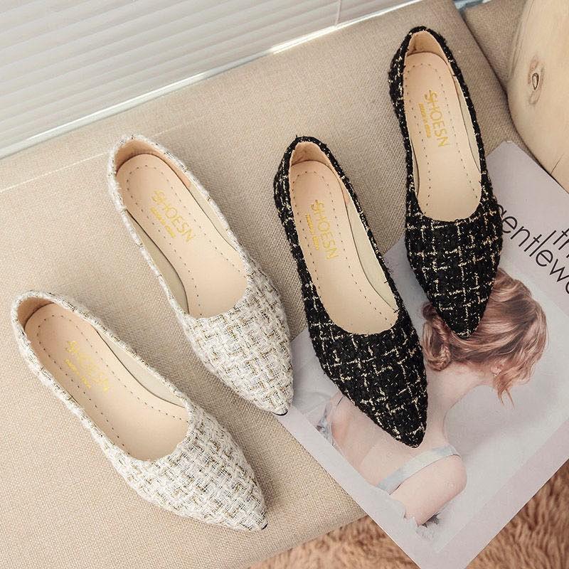 พร้อมที่จะส่ง รองเท้าคัชชูหัวแหลมเปิดส้น รองเท้าผู้หญิงแฟชั่น รองเท้าส้นแบน ถักระบายอากาศ