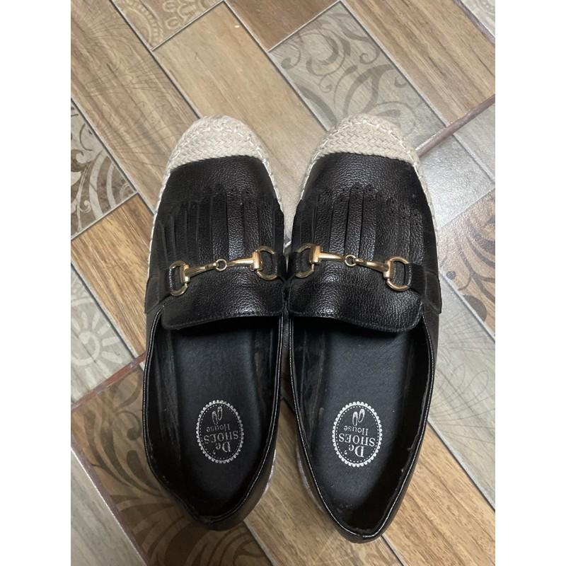 รองเท้าคัชชูสีดำหนังเทียม