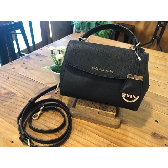 กระเป๋าสะพายข้าง MICHAEL KORS Ava Extra Small Saffiano Leather Crossbody Black 32F5GAVC1L ของแท้