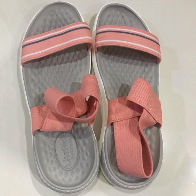 รองเท้ามือสอง crocs literide สภาพใหม่มากก