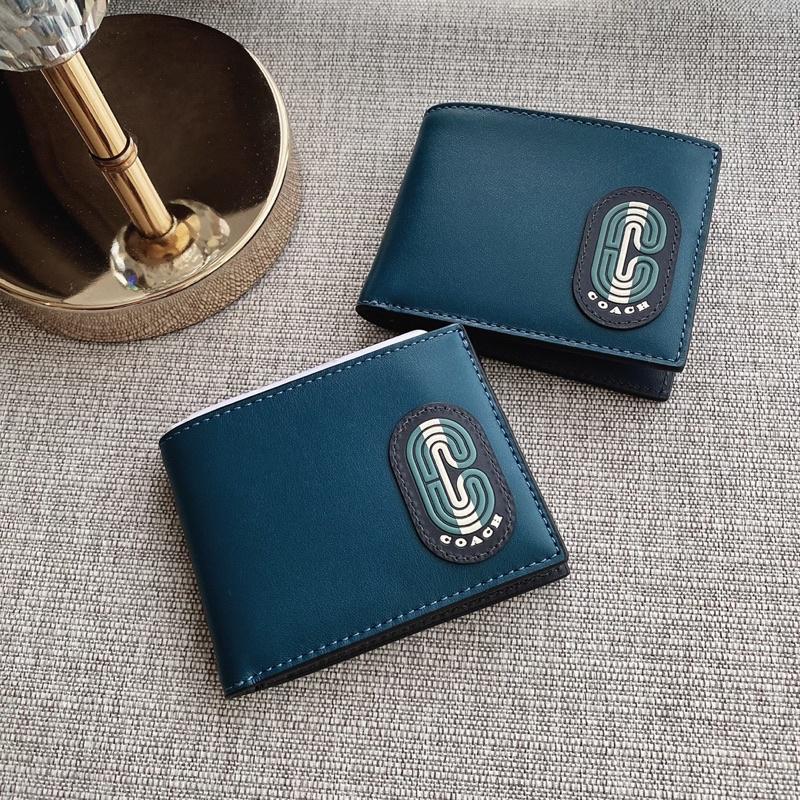 👑ผ่อน0%~แท้100%👑 กระเป๋าสตางค์ชายใบสั้น Slim Billfold Wallet In Colorblock With Striped Coach Patch Coach C4413