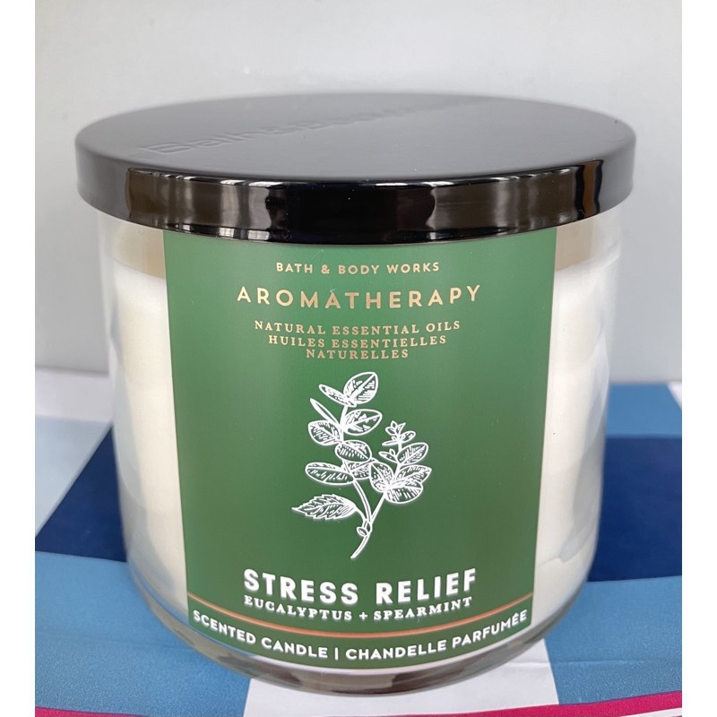 ✅🔥💥☃Candle 3-Wick Aromatherapy bath and body work
