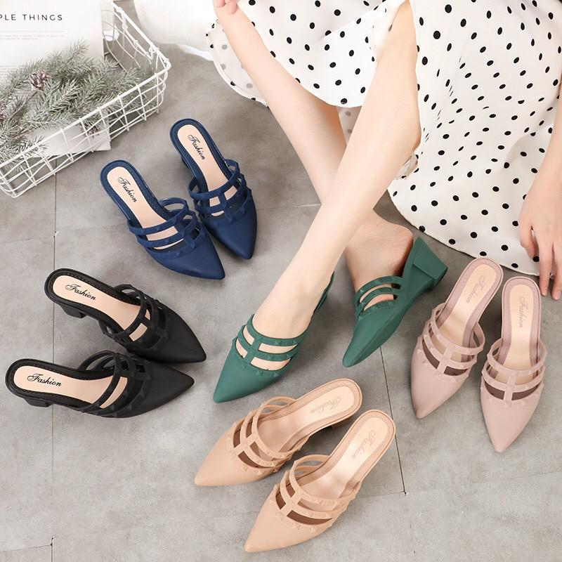 🌸พร้อมส่ง💗 รองเท้าคัชชูหัวแหลม เปิดส้นสุดหรู รองเท้าผู้หญิงลำลองใส่สบาย