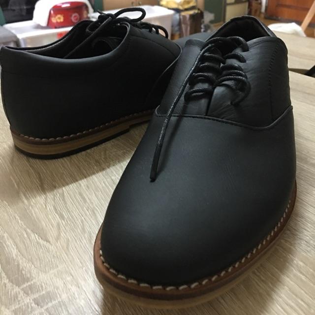 รองเท้าคัชชูหนังผู้ชาย ผูกเชือก ดำด้าน