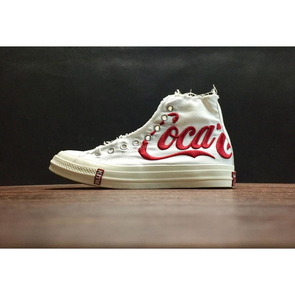 ecbea411 ... Kith x Coca-Cola x Converse Chuck Taylor All Star 1970 s รองเท้าผ้าใบ  ...