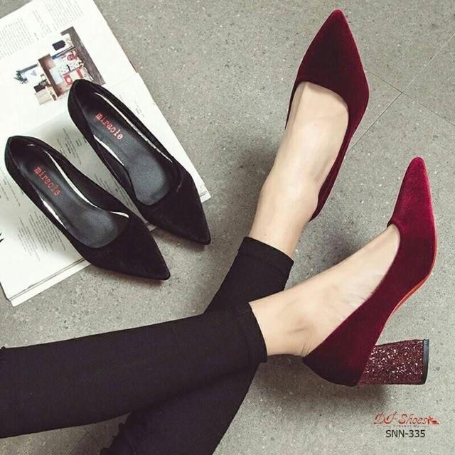 รองเท้าคัชชูกำมะหยี่ (ดำ/แดง)😍