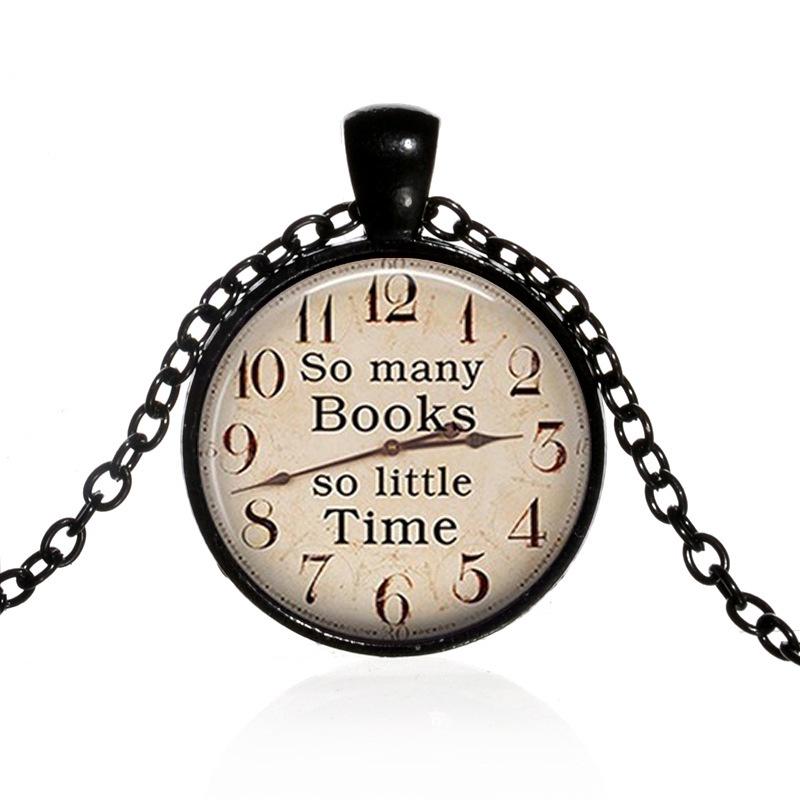 So Many Books So Little Tiem นาฬิกาและสร้อยคออัญมณีแก้ว