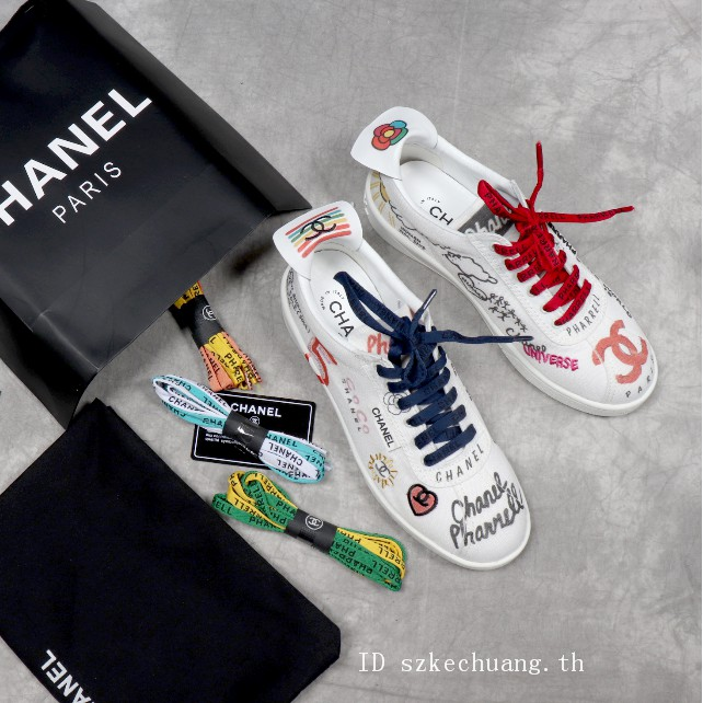 the best attitude cd8df 6ee32 Chanel x Pharrell 19SS รองเท้าลำลอง