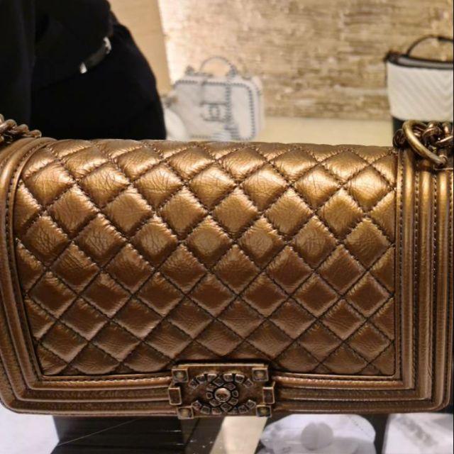 Chanel boy 10 gold limited 5%/10