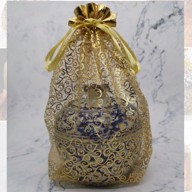ถุงใส่ของรับไหว้ 22*30ซม 📍ราคาถูก/ มีพร้อมส่ง📍 ถุงใส่ชุดสังฆทานชุดเล็ก ถุงไหมแก้ว ลายไทยดิ้นทอง ขอบทอง ถุงใส่โถเบญจร