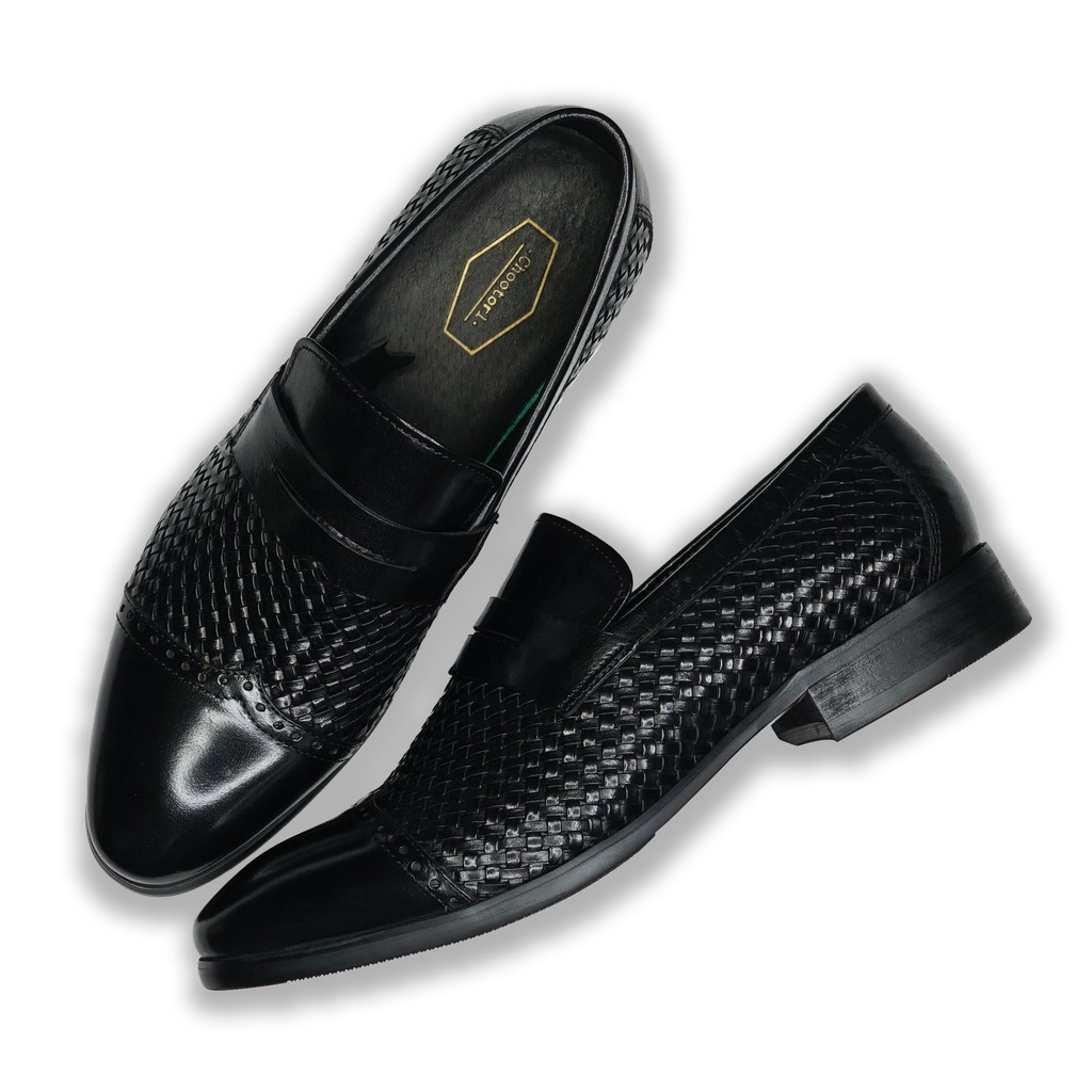 SUITCUBE รองเท้าคัชชูหนังสานสีดำผู้ชาย สวมใส่แล้วนุ่มสบายเท้า ราคาพิเศษที่นี่เท่านั้น รุ่น MO17-2A-BK