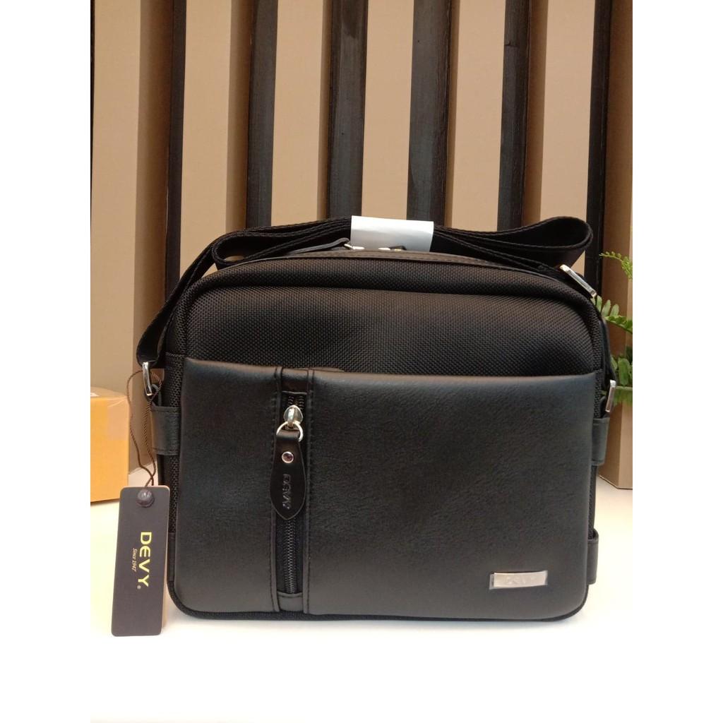 กระเป๋าสะพายข้าง DEVY รุ่น2108-1 สีดำ