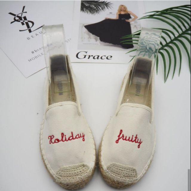 รองเท้าคัชชูสีขาว สำหรับผู้หญิง