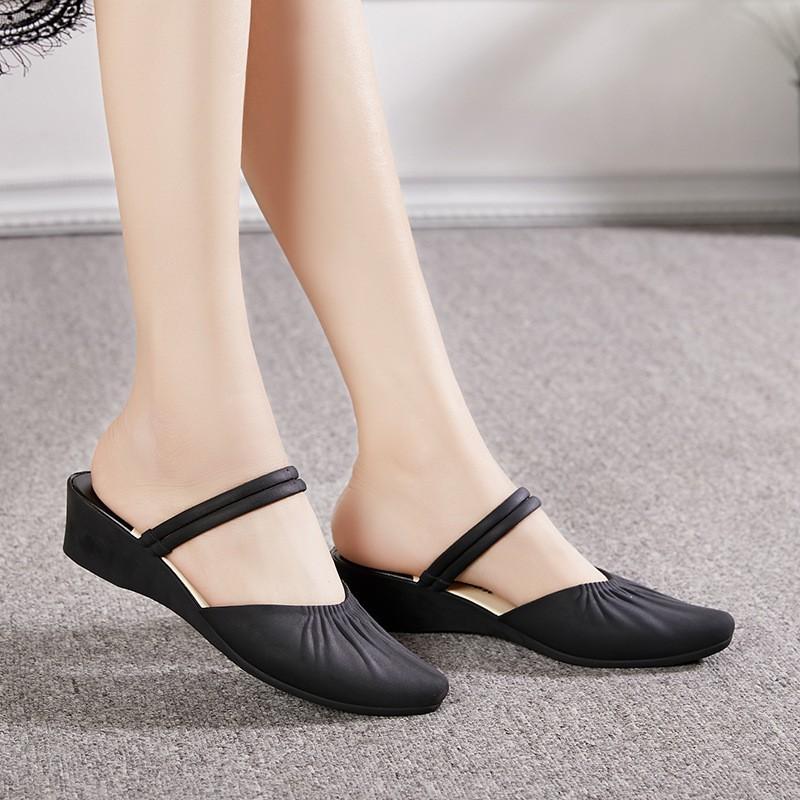 Best SALEรองเท้าผู้หญิงพร้อมส่ง8304 หัวแหลมรัดข้อรองเท้าคัชชูหัวแหลม ส้นเตี้ย แต่งสายรัดข้อรองเท้าแฟชั่น