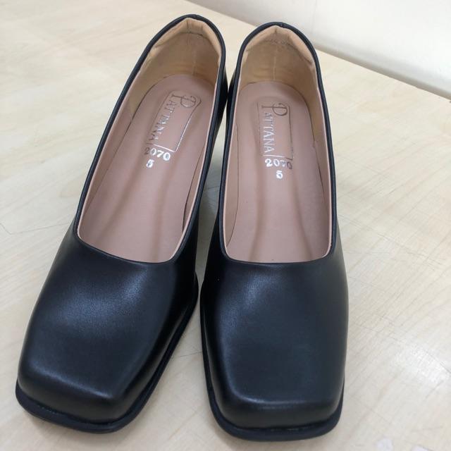 รองเท้าคัชชูสีดำ รองเท้ารับปริญญาถูกระเบียบ