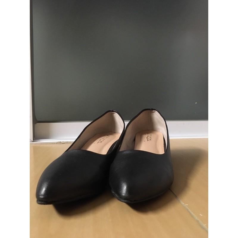 รองเท้าคัชชูสีดำ หนังด้าน มีส้น