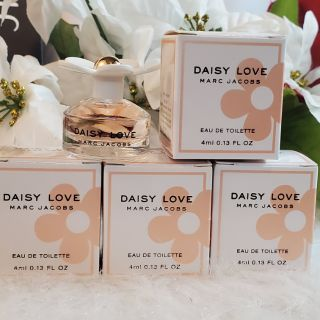 Review marc jacobs daisy love