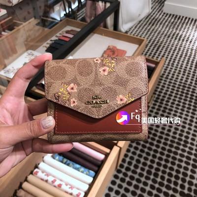 ソレกระเป๋าเงินอเมริกาซื้อใหม่ Coach กระเป๋าสตางค์ผู้หญิงแบบสั้นสามพับกระเป๋าใส่เหรียญซองกระเป๋าสตางค์กระเป๋าใส่บัตรหนังใบ