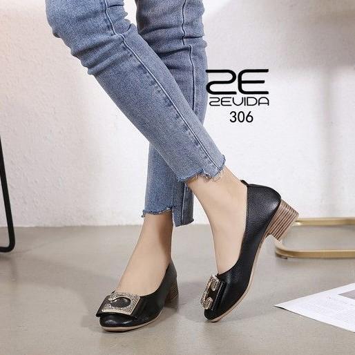 21-306 รองเท้าคัชชู : ดำ