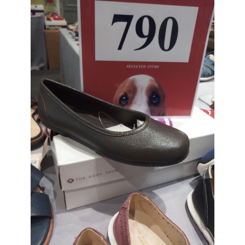 รองเท้าคัชชูส้นแบน สีดำHush Puppies