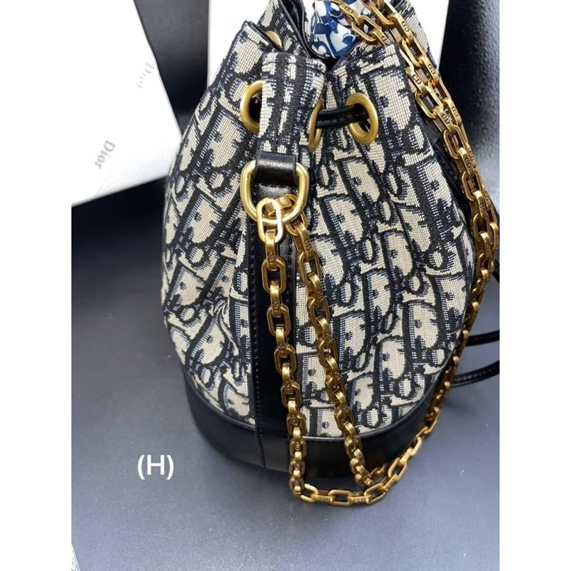 กระเป๋าทรงจีบ Dior พร้อมกล่ิง CroT
