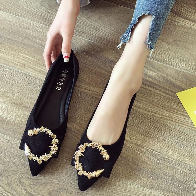 รองเท้าคัชชูหัวแหลมผู้หญิงปากตื้นรองเท้าส้นแบนผู้หญิง