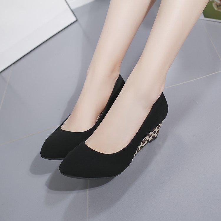 รองเท้าคัชชู ผู้หญิง ส้นเรียบ ใส่สบาย คัทชู คัตชู ใส่ทำงาน รองเท้าส้นตึกและส้นเตารีด
