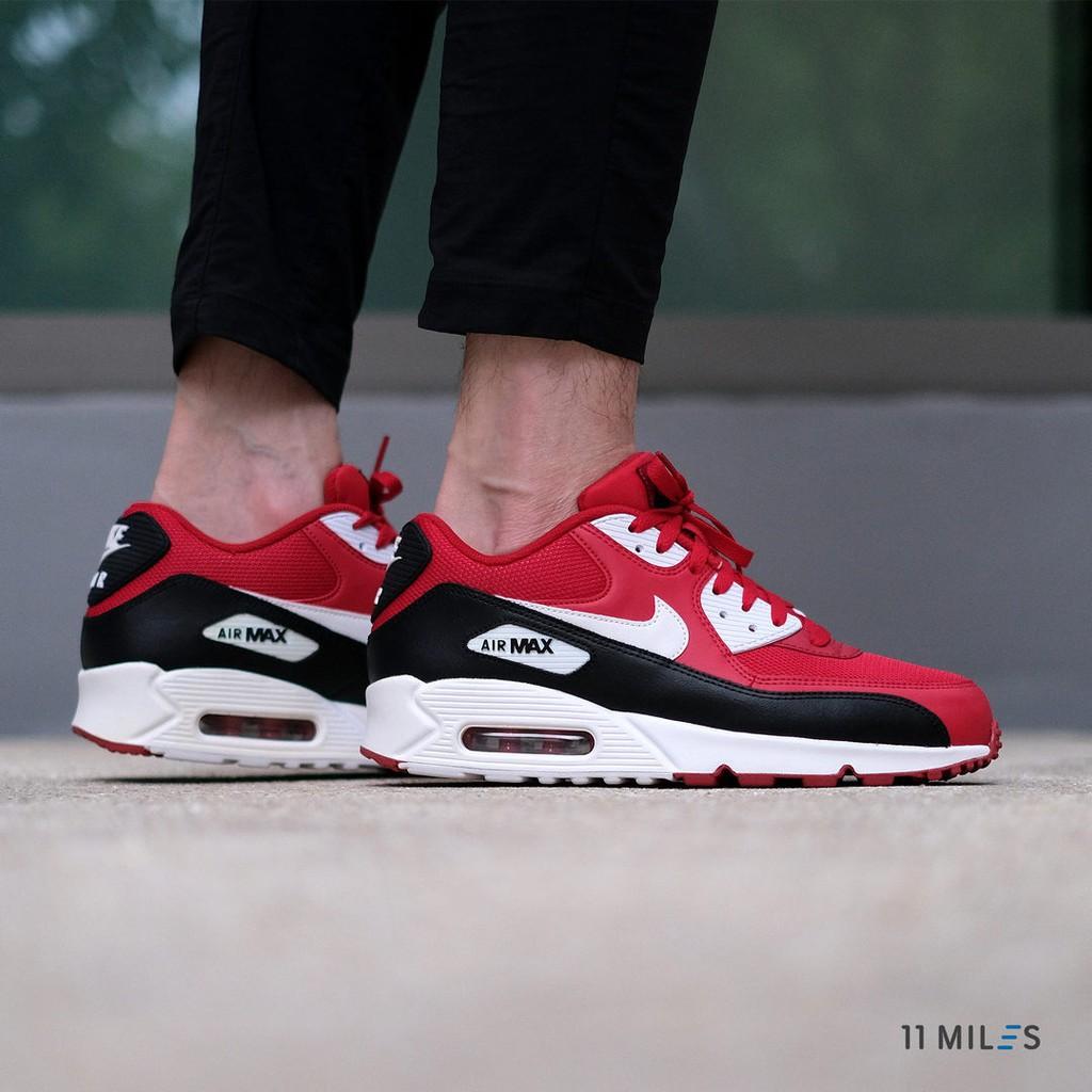 ของแท้ !!!! พร้อมส่ง รองเท้าผู้ชาย Nike รุ่น Nike Air Max 90 Essential