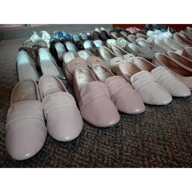 รองเท้ามือสองผู้หญิงคัชชู
