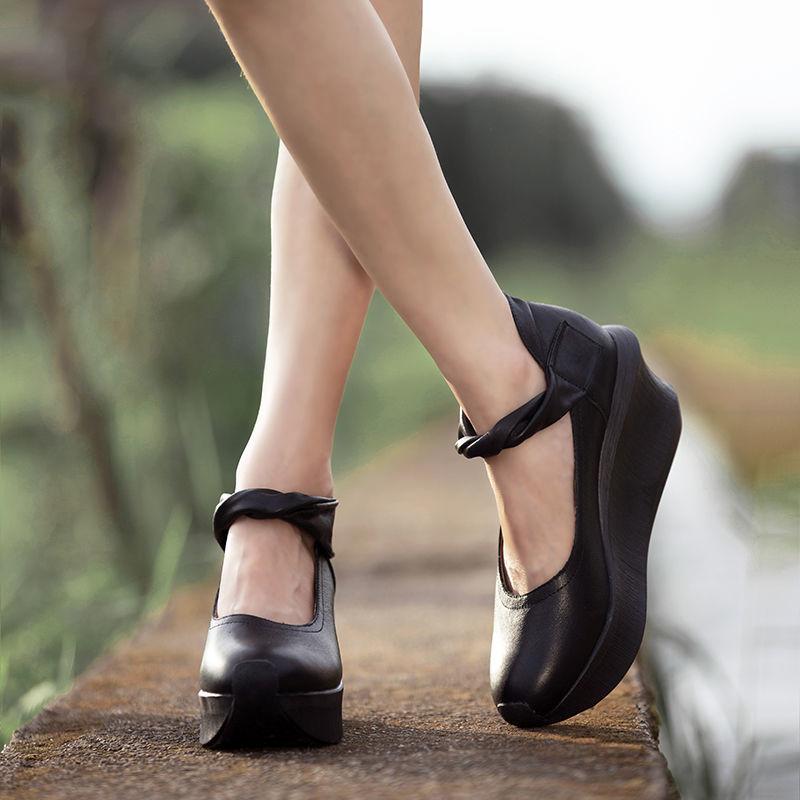 รองเท้าคัชชูส้นเตารีด สไตล์แห่งชาติที่ทำด้วยมือหนังรองเท้าลำลองในช่วงฤดูร้อนย้อนยุคหัวกลมหนาด้านล่างลิ่มรองเท้าส้นสูงรอง