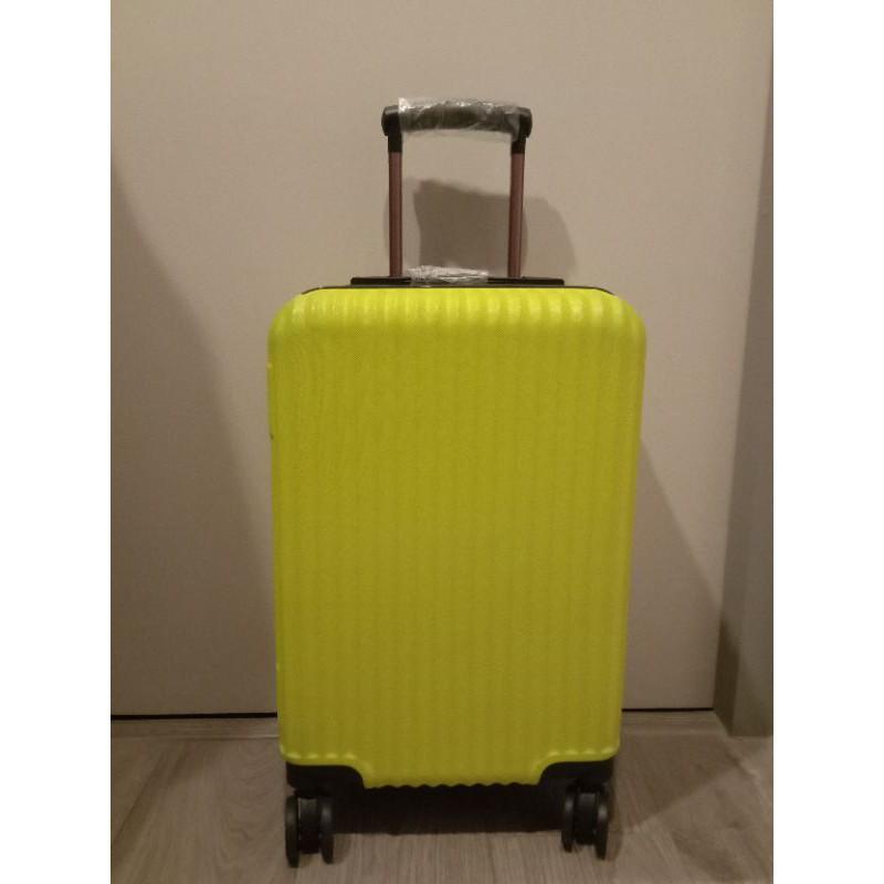 ของใหม่ กระเป๋าเดินทางล้อลาก 20 นิ้ว