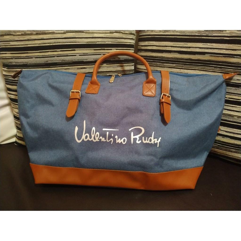 """กระเป๋าเดินทาง Valentino Rudy ของใหม่ ของแท้  ขนาดกว้าง 24"""" สูง 12"""" ฐานกว้าง 8"""" มีสายสะพายยาว"""