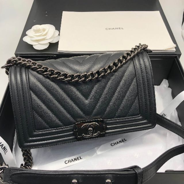 Chanel BOY Medium 25 Chevron Caviar Leather งานหนังแท้ เกรดออริจินอล ดีสุด ใช้ได้นานสุด