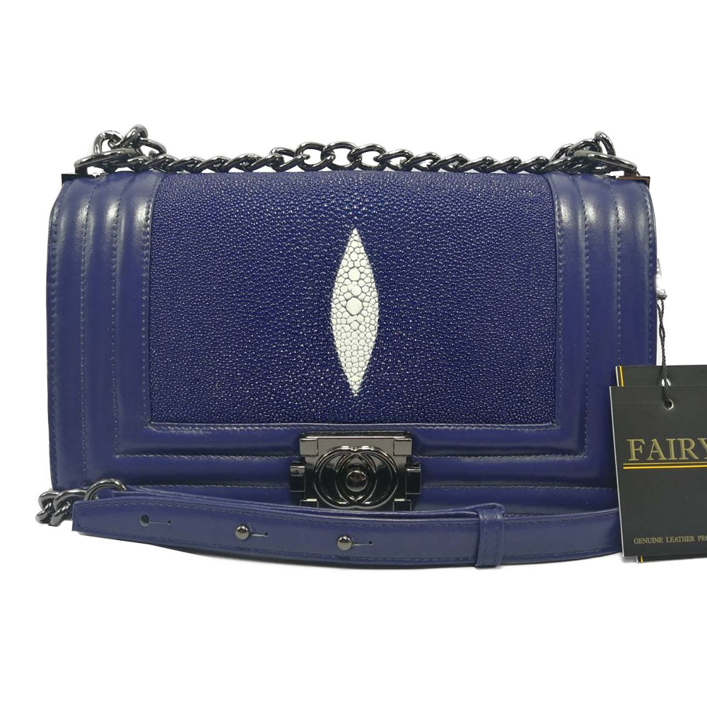 กระเป๋าหนังปลากระเบนแท้ ทรง chanel boy 10 นิ้ว รุ่น CB-12 สีน้ำเงิน
