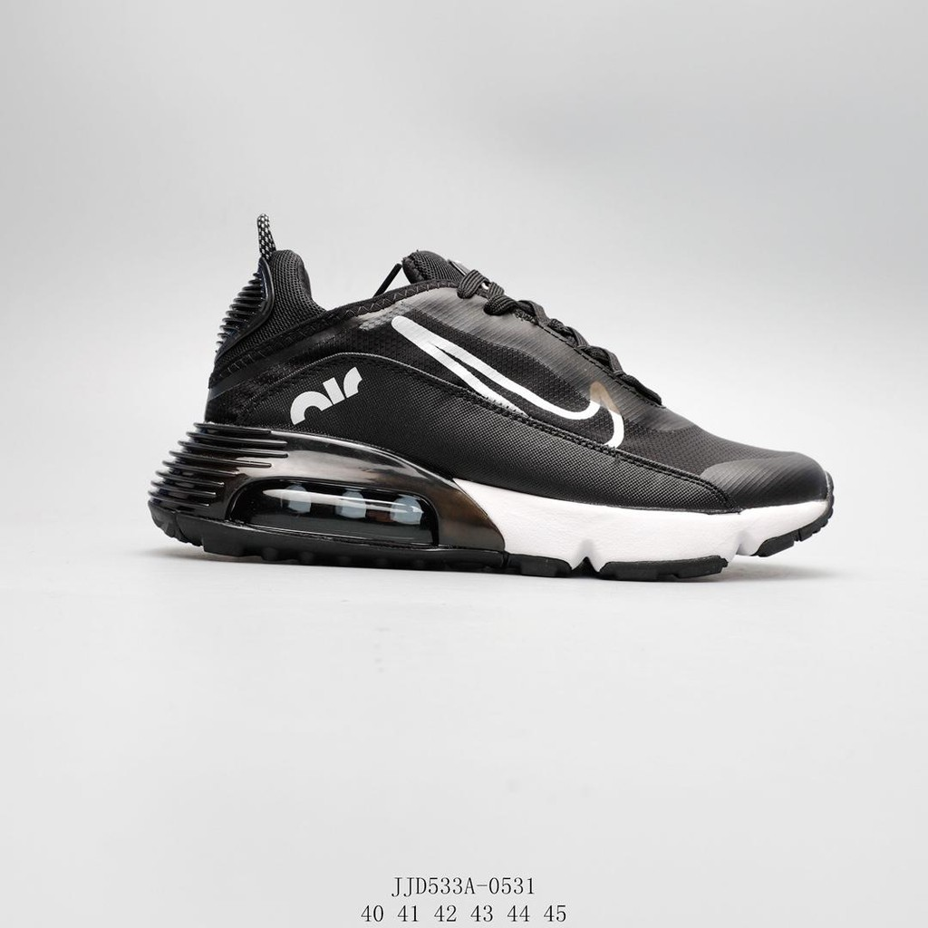 Nike Air Max 2090 รองเท้าผู้ชายแบบผูกเชือกสีดำที่นุ่มนวล