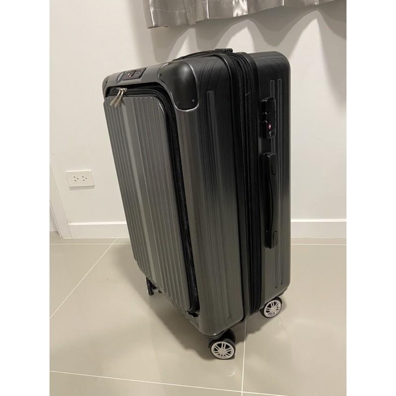 ส่งต่อ กระเป๋าเดินทาง ยี่ห้อ Baggage luggage รุ่น Facelift 24 นิ้ว สีดำ