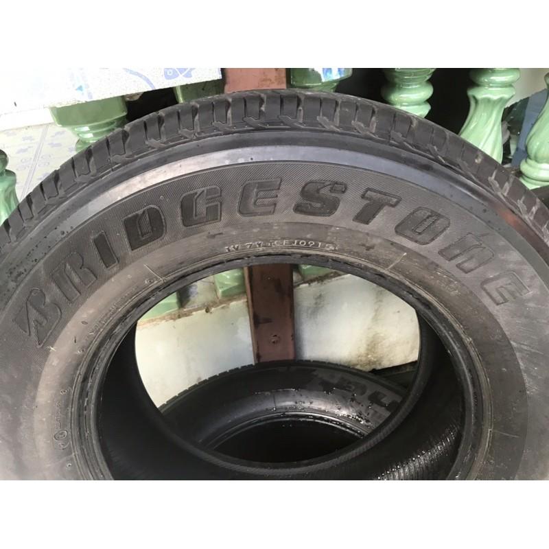 ยาง Bridgestone Dueler H/T  ขนาด 265/65r17 ยางปี 0915 ดอกยางเยอะ มีปะ