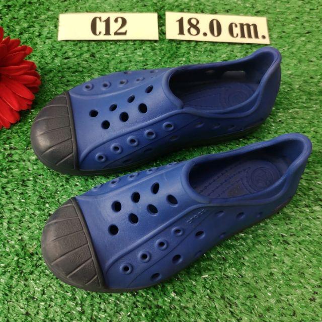 รองเท้าเด็ก crocs มือสองสภาพสวยค่ะ