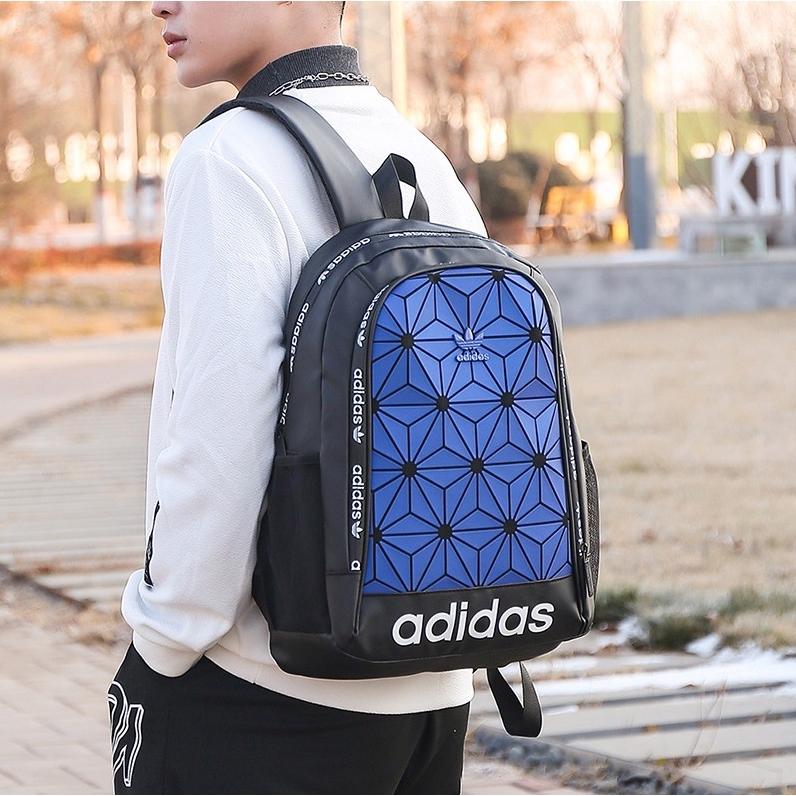 ของแท้ 100%% Adidas Originals 3D Backpack กระเป๋าเป้สะพายหลังโน้ตบุ๊ค