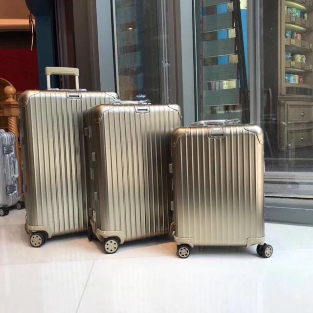 กระเป๋าเดินทางRimowa