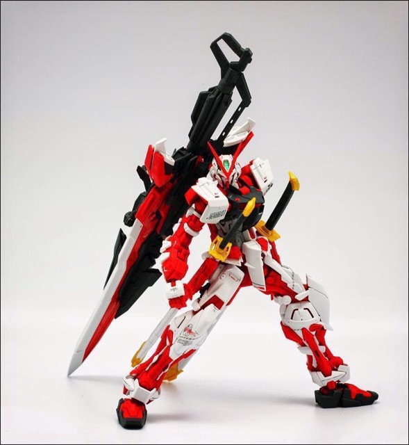 Image # 4 of Review MG  MBF-P02KAI Gundam Astray Red Frame kai