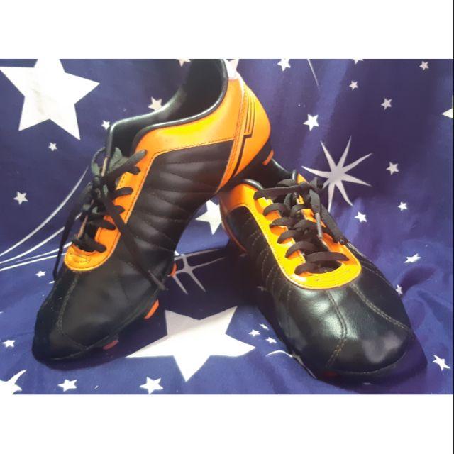 รองเท้าสตั๊ด รองเท้าฟุตบอล มือสอง
