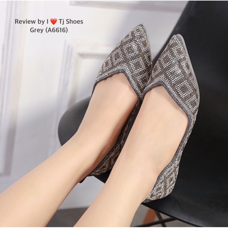 รองเท้าคัชชู รองเท้าแฟชั่นผู้หญิง