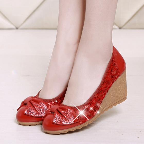 รองเท้าคัชชูส้นเตารีด ชั้นแรกของหนังรองเท้าผู้หญิงลิ่มกับรองเท้าทำงานปากตื้นรองเท้าผู้หญิงรองเท้าส้นสูงกับรองเท้าผู้หญิง