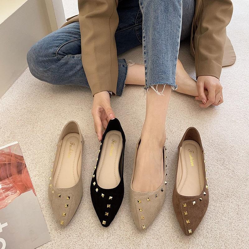 รองเท้าคัชชูหัวแหลมผู้หญิงรองเท้าส้นแบนสปริงสีดำรองเท้า